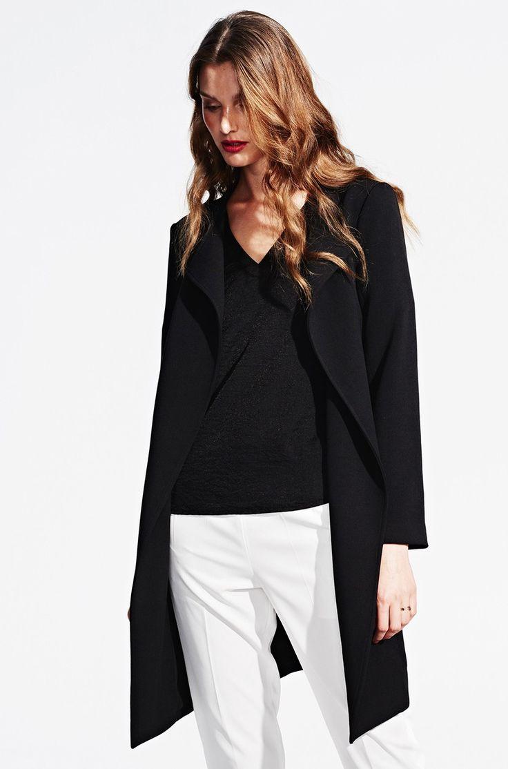 Schwarzer Sommermantel von KALA Fashion