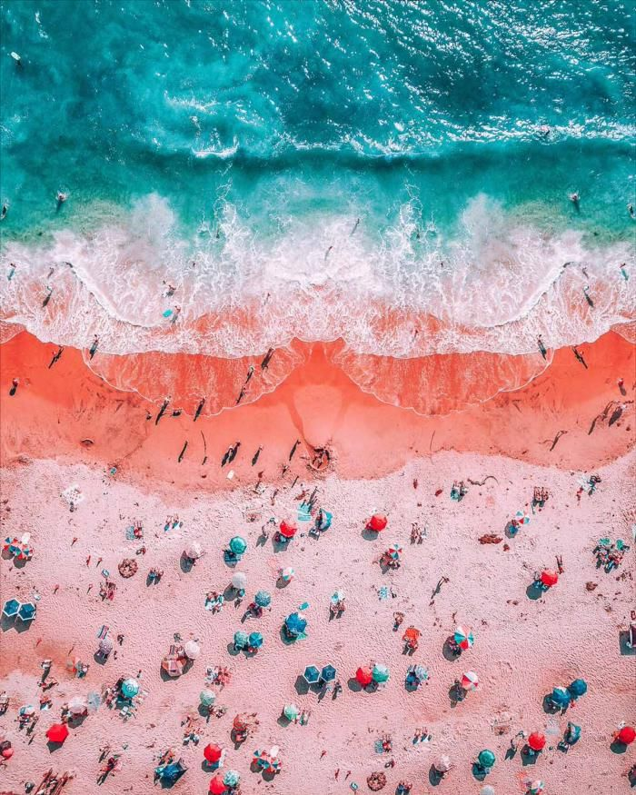 Пляж в Лагуна–Бич, округ Орандж