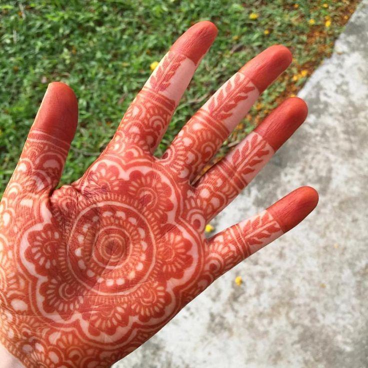 Throwback  #henna #hennasg #hennadesign #hennaart #floral #mehndi #mehendi #inai #inaisg #mandala #mandalaart #mandalahenna  #hennartist #raya #hennatattoo #eid #hennagram #wedding #love #picoftheday #art #design #hennalove #hennainspire #hennahands #hennartistsg #hennamandala #singapore #sg