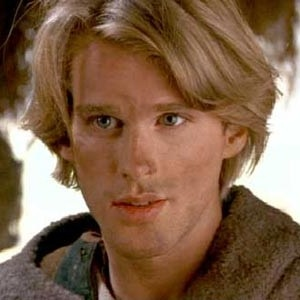 HE'S SO YOUNG HERE! Cary Elwes as Westly in The Princess Bride LOOK AT EM.  JUST.....LOOK AT EM.  WHAT CASTING DIRECTOR WOULDN'T WANT THAT FACE?!