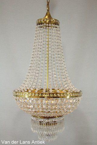 Kristallen kroonluchter 26314 bij Van der Lans Antiek. Meer kristallen lampen op www.lansantiek.com