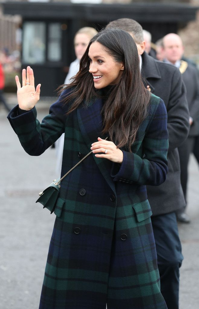 Meghan Markle Photos - Meghan Markle ris seen during a walkabout on the esplanade at Edinburgh Castle with Prince Harry on February 13, 2018 in Edinburgh, Scotland. - Prince Harry And Meghan Markle Visit Edinburgh