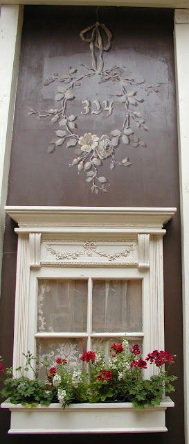 Chateau De Fleurs - such a sweet window!