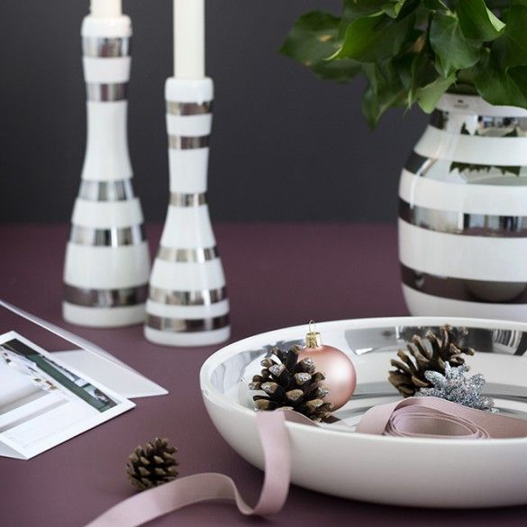 The minimalistic design with the hand-painted stripes adds style to your home with its simple, Scandinavian elegance.