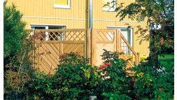 Sichtschutz für Terrasse und Garten mit Rankgitter (10 x 10cm) aus kesseldruckimprägnierter Kiefer/Fichte. 45 x 90mm Rahmenhölzer, 16 x 90mm diagonalen Profilbretter als Füllung , geklammert (verzinkt).