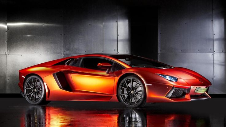 Munich-based Print Tech has developed a gorgeous full wrap for the Lamborghini Aventador.