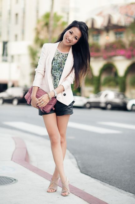 Leather shorts for a night out!: Leather Shorts, Prints Silk, Blushes Blazers, Colors Waves 2, Wendyslookbook Leather, Wendy Lookbook, Blazers And Shorts, Denim Shorts, Wendy Nguyen