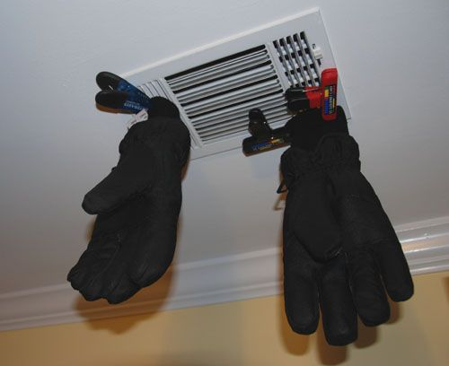 »   How to Dry Gloves or Mittens in the Winter@raising4boys.com