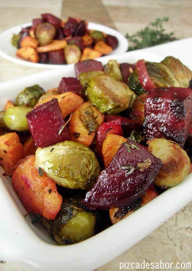 Vegetales rostizados al tomillo (camote, betabel, coles de brusela) – Pizca de Sabor