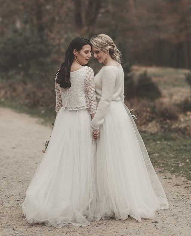 Brautkleid Fur Die Gleichgeschlechtliche Hochzeit Moderne Junge Brautmode Im Mix Match Prinzip Zusammen Passend Und Lesbische Hochzeit Brautkleid Brautmode