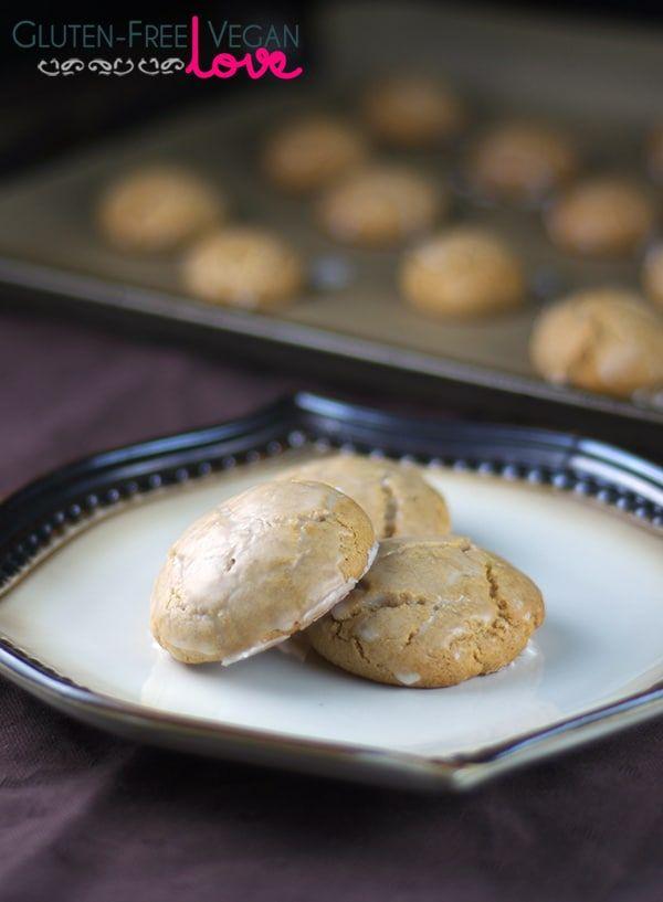 Gluten-Free Vegan Lebkuchen Cookies {with Refined Sugar-Free Option}