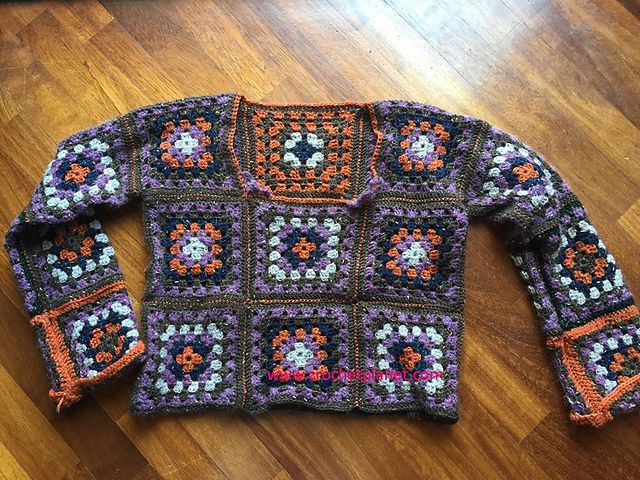Ravelry: Granny Square Sweater pattern by The Marble Cat                                                                                                                                                                                 Más
