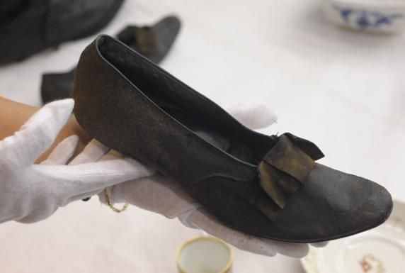 Titanic Stuff Found   These are slippers found in the belongings of passenger Edgar Andrews ...