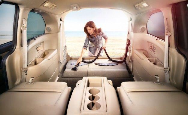2014 Honda Odyssey Touring Elite - this car has a built in vacuum!