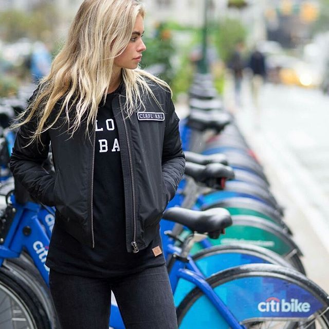 Colourful rebel bomberjack #bomberjack #colourfulrebel #clfr #black #blonde #jacket #fashion #streetfashion #summer #fashionblog