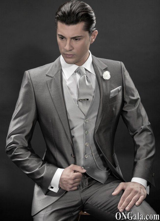 trajes grises para novios