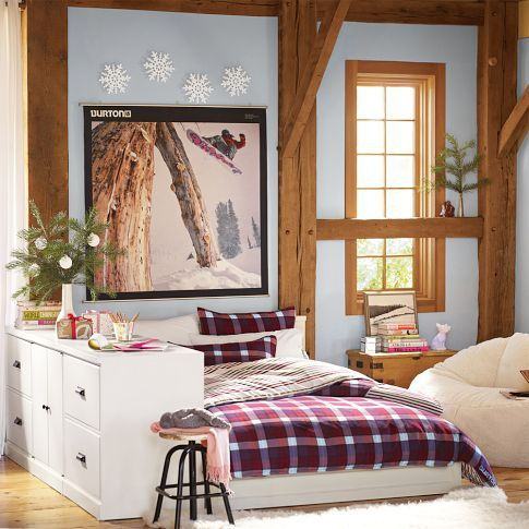 Love these bright, Sporty Teen Girls Rooms! Perfect an athlete who needs a place…
