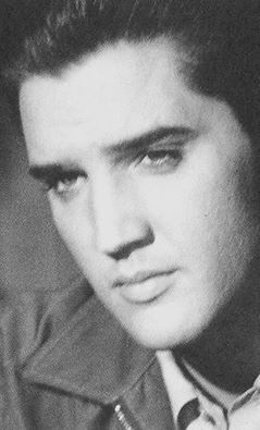 "( 2015...2016 † IN MEMORY OF ELVIS AARON PRESLEY ) † ♪♫♪♪ Elvis Aaron Presley - Tuesday, January 08, 1935 - 5' 11¾"" - Tupelo, Mississippi, USA. Died; Tuesday, August 16, 1977 (aged of 42) Memphis, Tennessee, U.S. Resting place Graceland, Memphis, Tennessee, U.S. Education. L.C. Humes High School Occupation Singer, actor Home town Memphis, Tennessee, USA. Cause of death: (cardiac arrhythmia)."