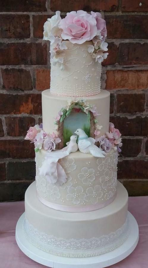 wedding cakes with birds on them best 25 bird wedding cakes ideas on 25982