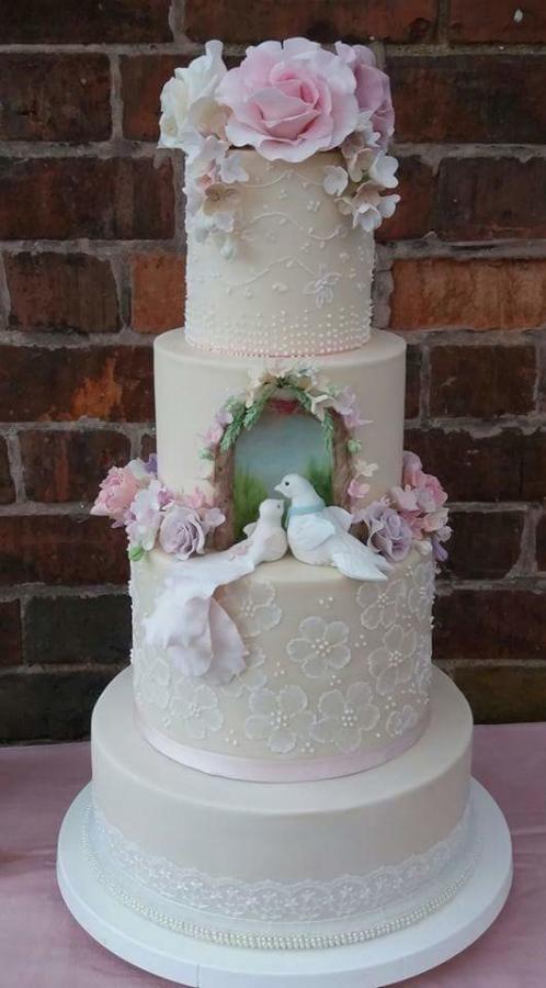 Love Bird Wedding Cake by My Little Cake Studio  - http://cakesdecor.com/cakes/256937-love-bird-wedding-cake