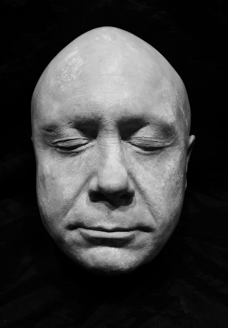 """Danny DeVito Life Mask Life Cast Comedic Actor """"Batman Returns"""" """"Twins"""" """"Taxi""""!! FOR SALE • CAD $166.60 • See Photos! Money Back Guarantee. This is a great life cast of Danny DeVito. This casting is made out of sturdy white hydrocal plaster. It was cast out of the original mold from the movie 282405836860"""