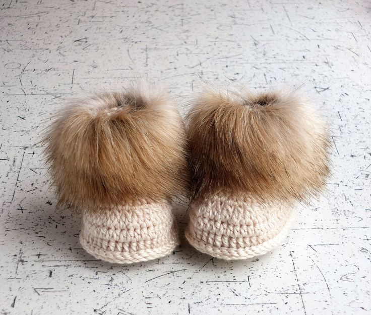 Gender neutral faux fur baby booties - Beige booties - Faux fur baby boots - Crochet booties - Crochet baby slippers - Baby winter boots by HandmadebyInese on Etsy