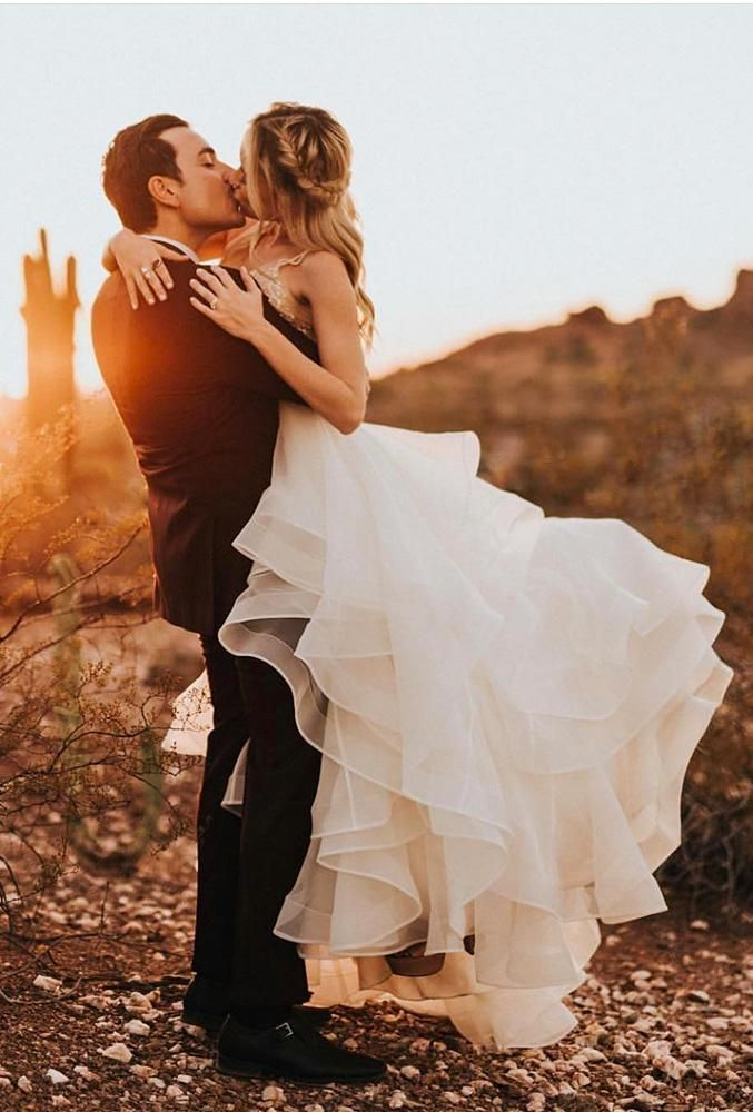 48 Most Creative Wedding Kiss Photos Creative Wedding Kiss Photos Kiss In Mountains Rodolfomcartney W Wedding Photography Styles Wedding Poses Wedding Kiss