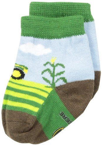 Dress your little farmer in style with the iconic John Deere crew socks. A green tractor design will have your toddler ready to harvest the fields. Made from soft absorbent cotton with flat knit const