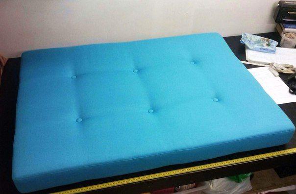 Как самим сшить подушку для подоконника, на сиденье в нишу в прихожей или на кухонный диван?