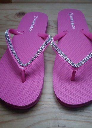 À vendre sur #vintedfrance ! http://www.vinted.fr/chaussures-femmes/nu-pieds-and-mules/35501041-tongues-strassees-roses-fille-ou-femme