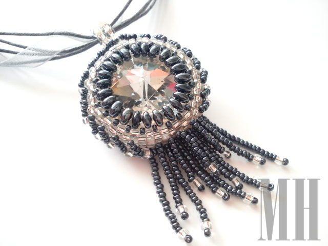 Srebrzysty wisior z koralików Preciosa i Toho   MH Biżuteria - cuda ręcznie wykonane