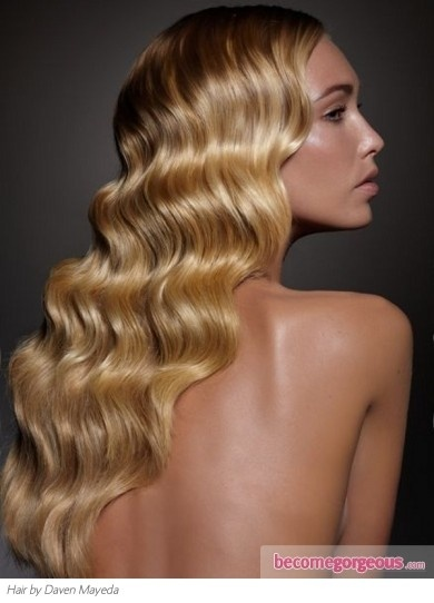 Long wavy hair style #wavy #blonde #beautiful