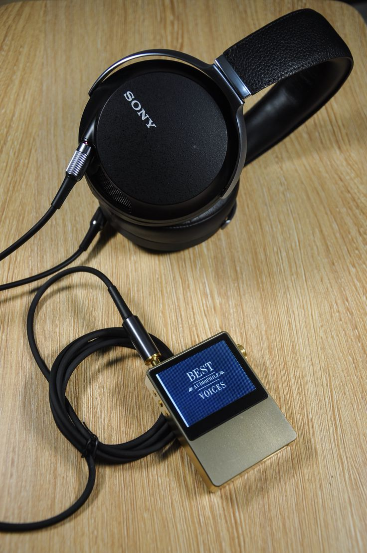 Sony Z7 and Astell&Kern Ak100 Gold
