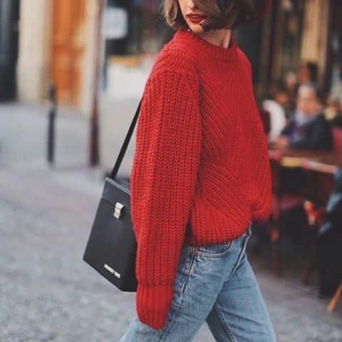 k.molly . . #knit #sweater #denim #jeans #rouge #outfit #ootd #streetsnap #bag #red  #海外スナップ #今日のコーデ #今日の服 #ジーンズ #デニム #セーター #赤 #口紅 #リップ #ニット #レディース #レディースファッション