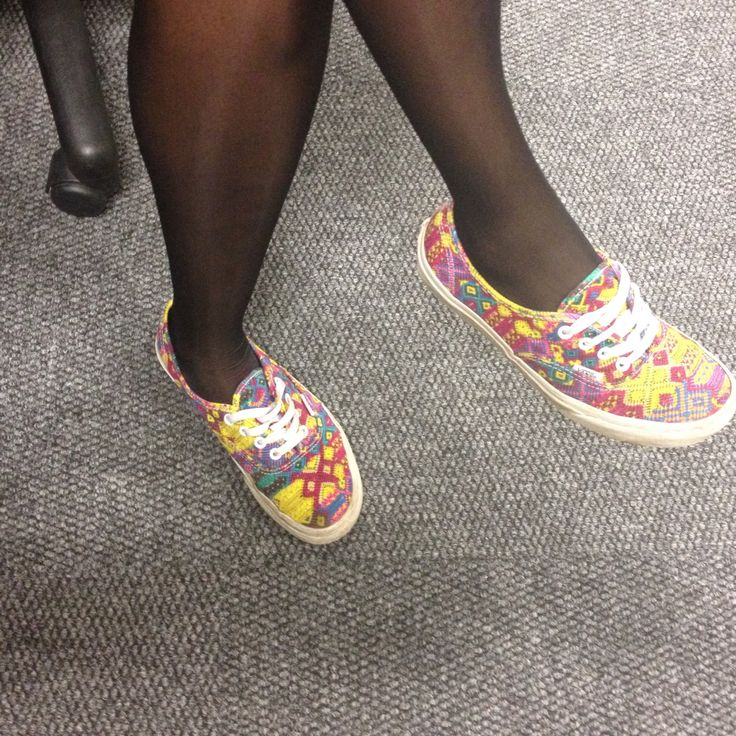 My colleague was dressed in all black; and had colorful vans on #StreetStyle #SouthAfricanStreetStyle