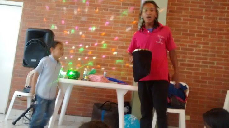 Hacemos las emjores fiestas infantiles con #Magiacómica diviértete con nosotros en tu #fiesta de cumpleaños llámanos 3204948120-4119497 http://goo.gl/OmvymZ