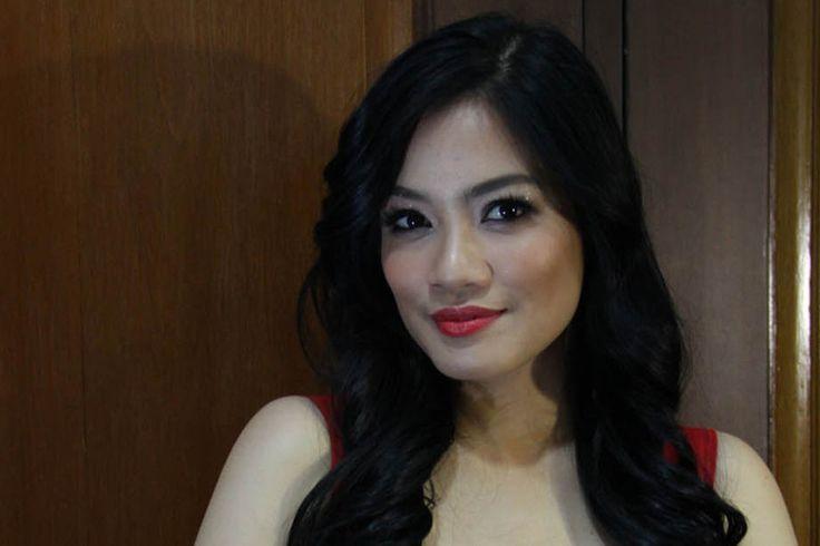 gituaja.com - Selebriti yg gak berubah kecantikannya (5)