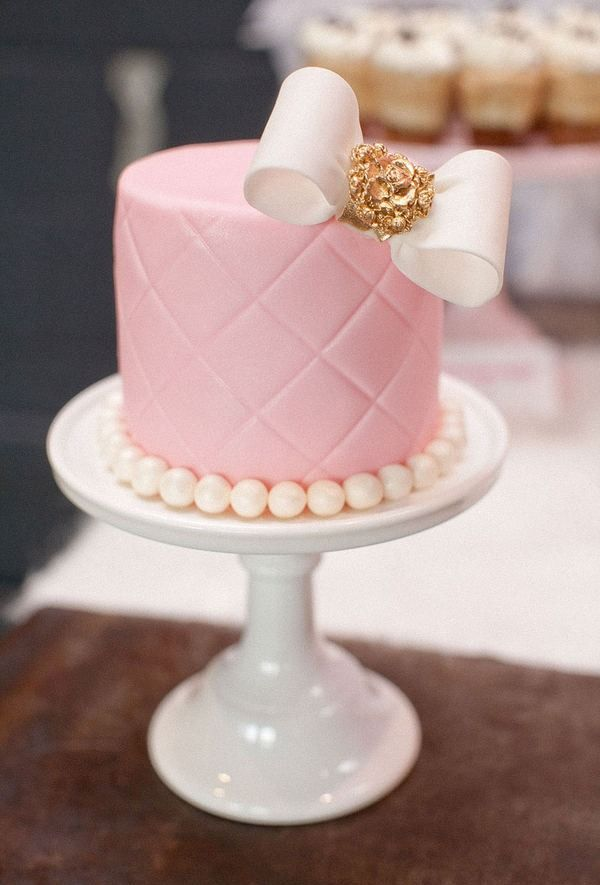 Pink Birthday Cake Decoration Ideas : 10+ best ideas about Bow Cakes on Pinterest Fondant bow ...