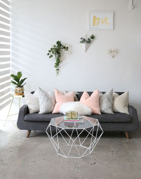 20 Best Coffee Table Styling Ideas - How To Decorate A Square Or Round Coffee Table