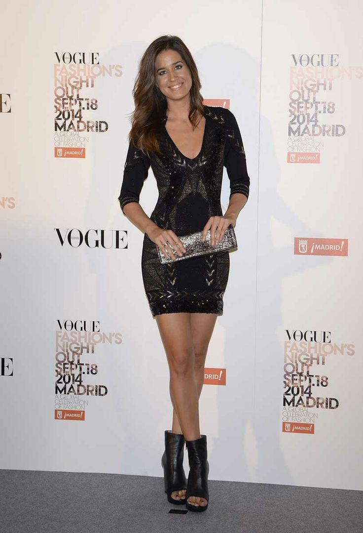 Aunque estamos acostumbrados a verla tras la mesa del telediario en compañía de Javier Cantero, Isabel Jiménez se ha escapado a la esperada Vogue Fashion Night Out Madrid.