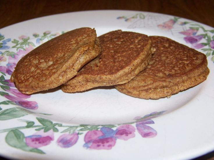 Gluten Free Pumpkin Pancakes :http://lowcarbyum.com/low-carb-gluten-free-pumpkin-pancakes/