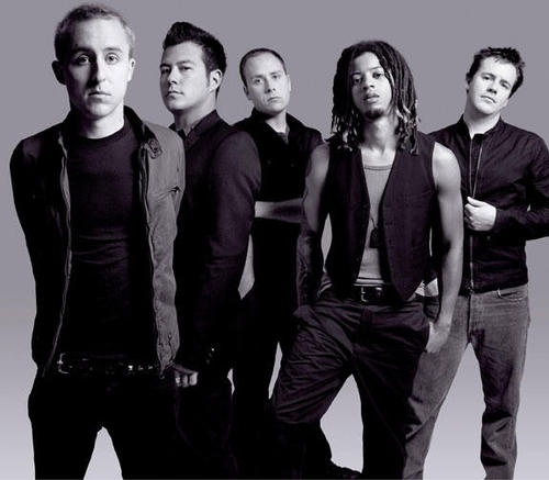 Yellowcard.. BEST BAND EVER.