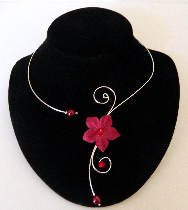 Collier mariage fleur en soie Géraldine