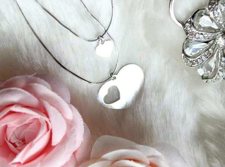 Biżuteria dla mamy i corki Wisiorki mama córka dostępne na www.jakamama.pl  💕💕💕💕💕💕💕