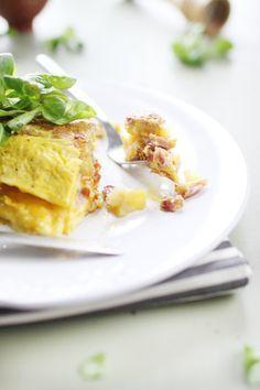La garniture d'une omelette est très importante pour moi car je n'aime pas l'omelette nature. Ça a tendance à m'écœurer. Ici, je suis restée dans une versi
