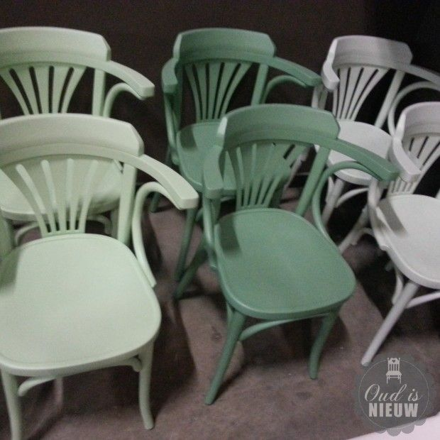 Cafe stoelen met armleuning €79