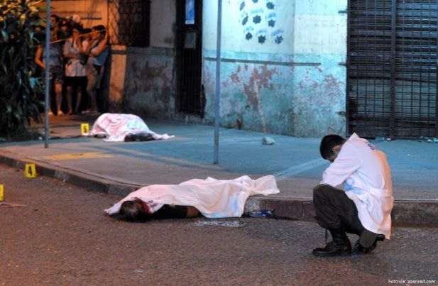 Cerca de 10 mil asesinatos se cometieron en Colombia en 2017 Cerca de 10 mil asesinatos se cometieron en Colombia en 2017 http://www.hoyesnoticiaenlaguajira.com/2018/01/cerca-de-10-mil-asesinatos-se.html
