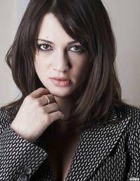 Charlotte Gainsbourg ja Asia Argento - elle.fr  #Kaupungit #Vampyyrit #Dracula #Kauhu #Feministit #Feministerna #Ohjaus #Elokuvat #Cannes #Ranskalainen #Gootit #Punkit #Punkki #Gootti #Otsatuuka #ChildrenofBodom #Bathory #Kielet #Suomeksi #Frankrike #GirodItalia #Giocchi #Pelit #EAGames #DieSims #Maxis #Sims #ialocinnicolai #Muoti #Kauneus #polkatukka #Genda #Nicolai #Puola #DarioArgento #Oinas #Leijona #Jousimies #Krapu #Skorpioni #Kalat #Krautrock #Scorpions #Metallimusiikki #Meshuggah…