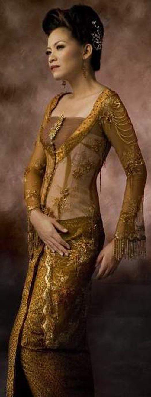 Desain Kebaya Indonesia, Modern 2: Kebaya Fashion, Kebaya Dresses, Indonesian Kebaya, Indonesian Wedding, Modern Kebaya, Fashion Design, Modern Bride