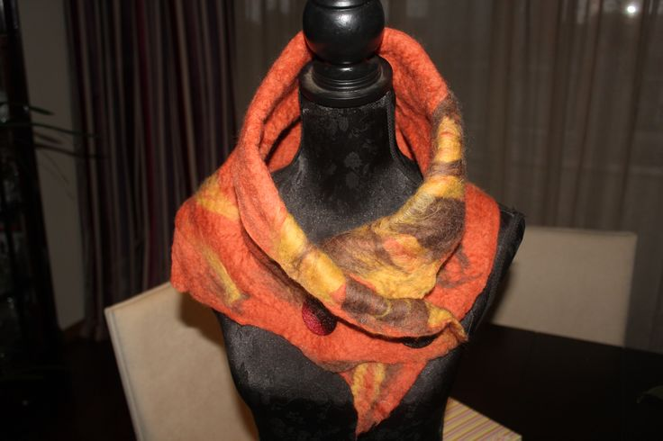 wool scarf felting - 40.00€